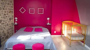 4 chambres, literie de qualité supérieure, rideaux occultants