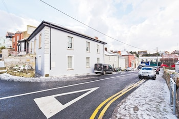 Sweet Inn - Gorgeous Howth I