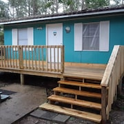 Cute Cottage pet Friendly New Deck!