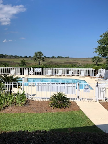 - Great Summer Rates, Location, Views, Convenience...golf/pool/fitness/biking
