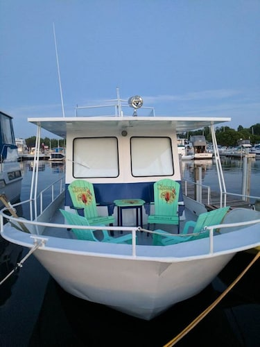 Unique Boat Vacationing Experience in Saugatuck & Douglas Area