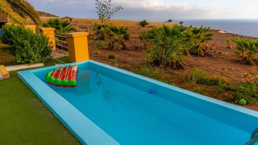 Twin Fin Surf Camp - Hostel