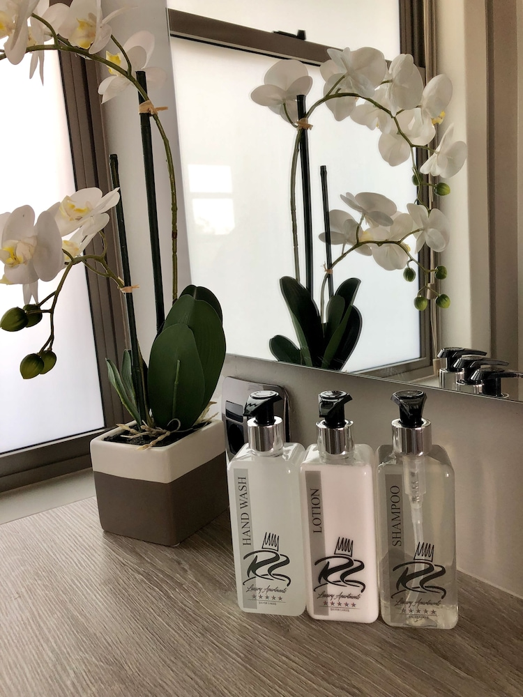 Bathroom Amenities, The Reserve Residence
