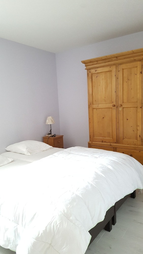 Room, Very Nice new Apartment on the Ground Floor With Terrace, Tastefully Decorated