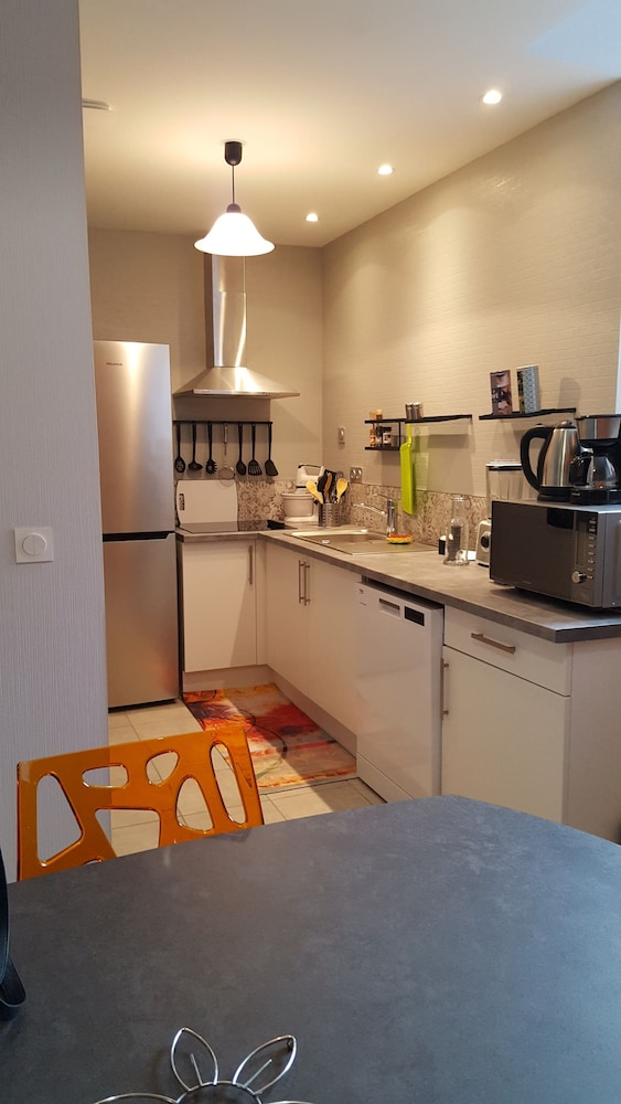 Private Kitchen, Very Nice new Apartment on the Ground Floor With Terrace, Tastefully Decorated