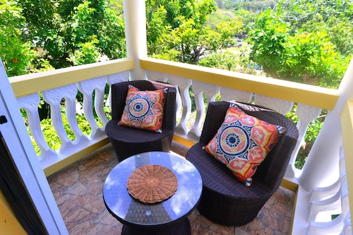 Takuma Boutique Hotel and Villa Suites Jamaica