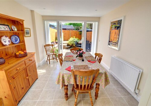 3 St Mary's Villas - Two Bedroom House, Sleeps 5