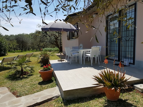 Charming Completely Renovated Country House, Large Garden, Secluded Location