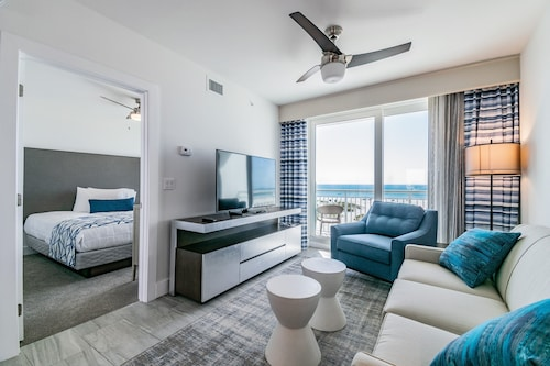 Oceana 2 Bedroom/2 Bathroom Gulf Front Suite