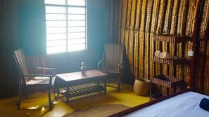 Coffre-forts dans les chambres, bureau, draps fournis