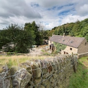 Charming Cottage with Peak District views and Indoor heated swimming pool