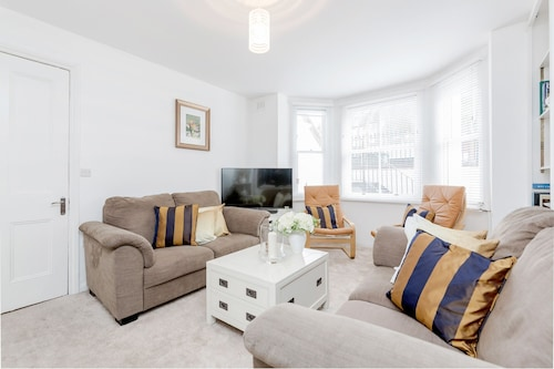 Oval - 2bed Flat Next to Cricket Ground
