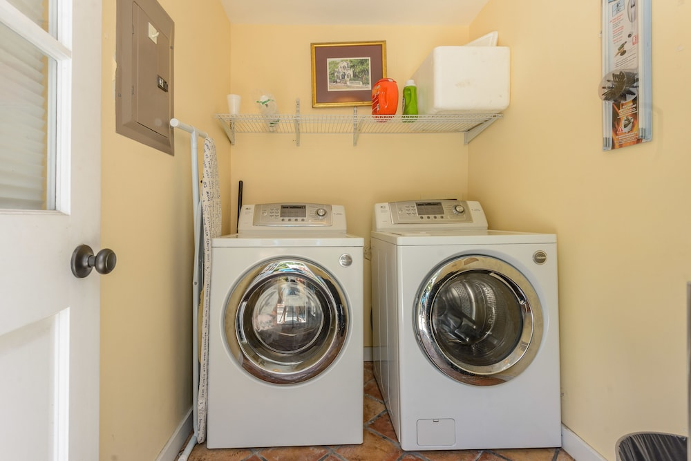 Laundry Room, Key West Villas