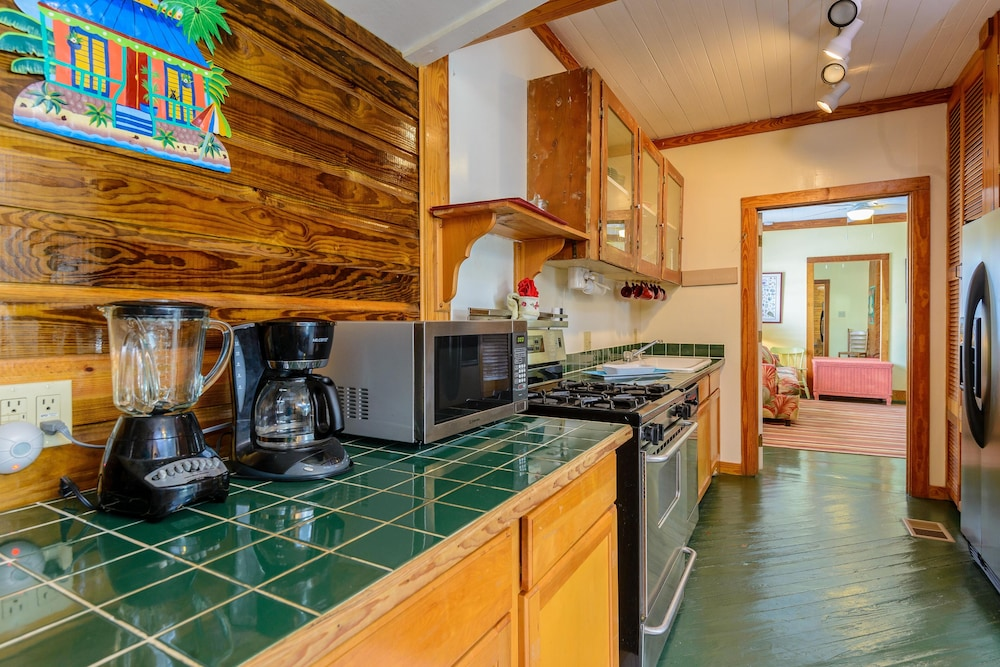 Private Kitchen, Key West Villas