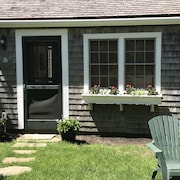 Cape Cod Cottage-300 Yards to Beautiful Paines Creek Beach
