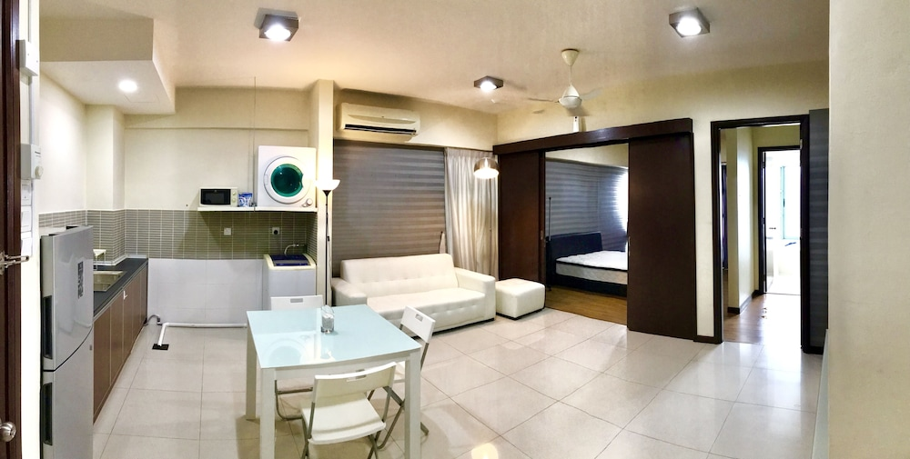 , Fully Furnished 1 Bedroom Apartment Comes With hot Bathtub