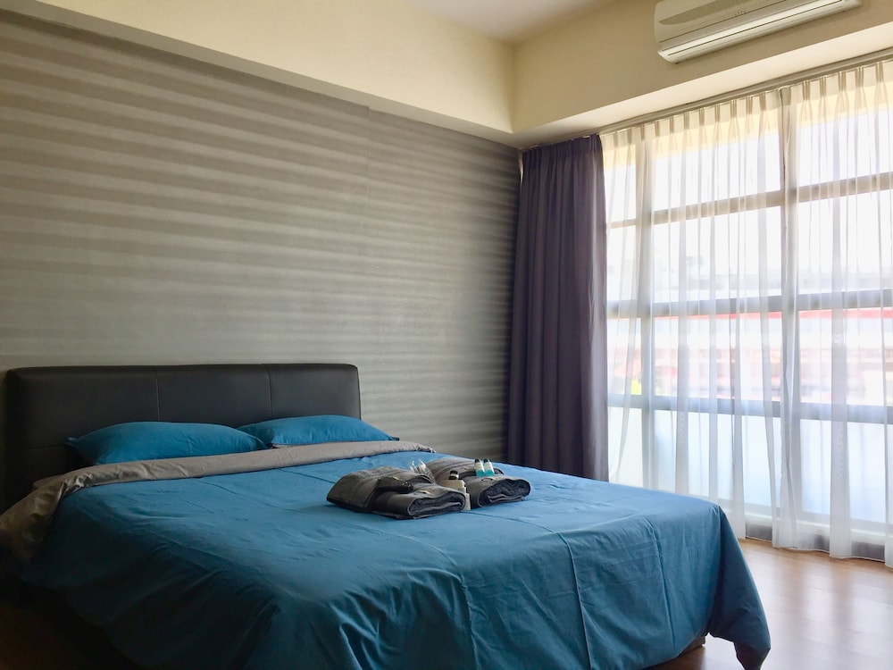 Room, Fully Furnished 1 Bedroom Apartment Comes With hot Bathtub