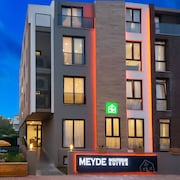 Meyde Boutique & Suites