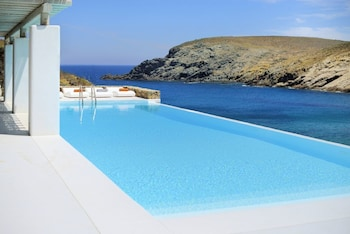 Luxurious 7 Bedroom Villa in Fokos Beach