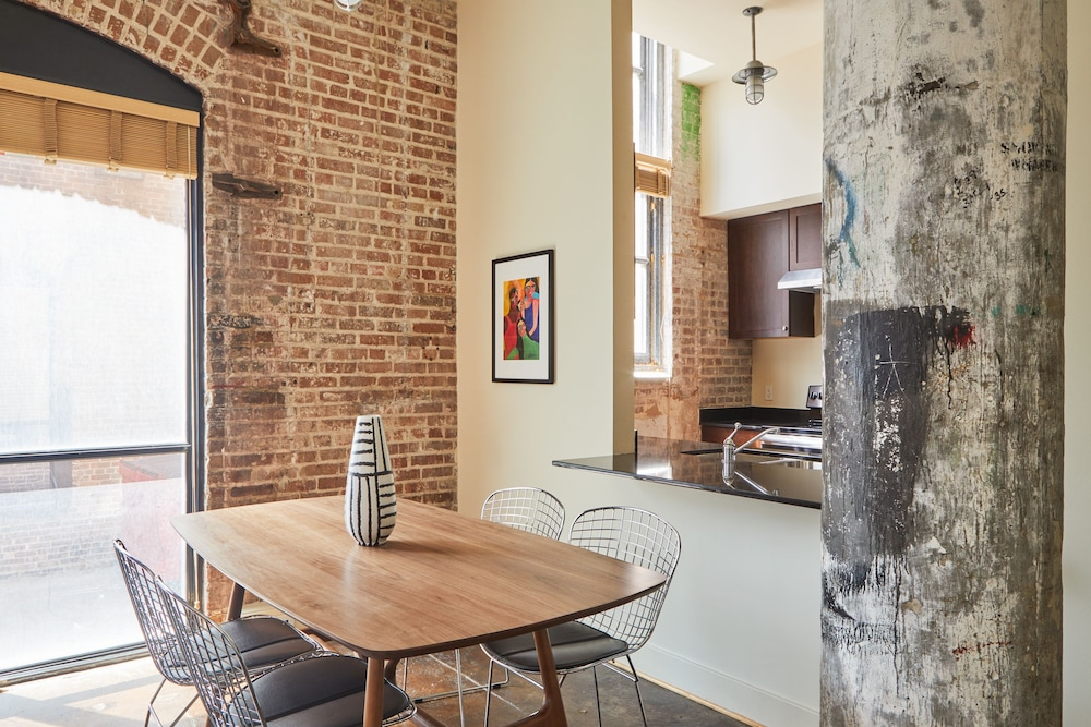Private Kitchen, Sonder — Constance Lofts