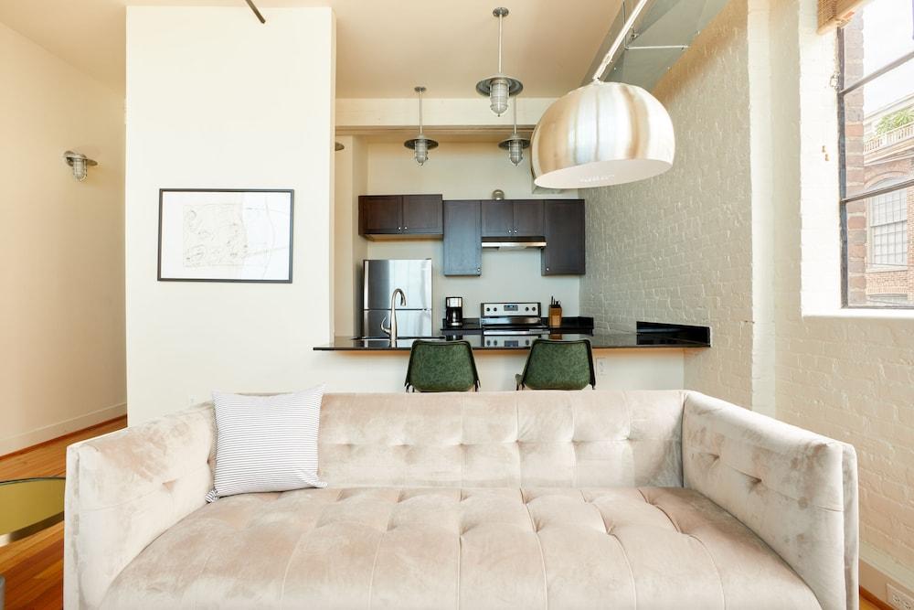 Living Room, Sonder — Constance Lofts