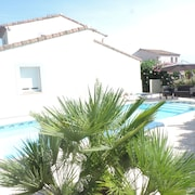 Detached Villa With Pool Near Montpellier for 6 People