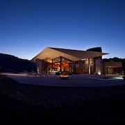 Ultra Modern Romantic Seclusion With Dramatic Views + Helipad!