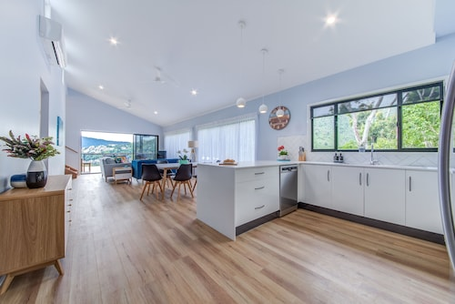 Hillside Haven Airlie Beach