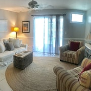 Beautiful Monthly Condo at the Buccaneer. Minutes From off Shore Fishing