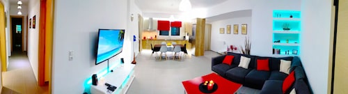 180° View Luxury Flat