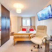 Premium Superking - Free Parking, Breakfast & Wifi, Netflix, LED TV, Kitchen