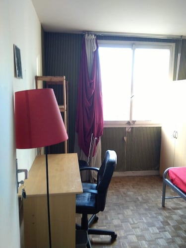 Private Studio Room Available Near Montparnasse Paris