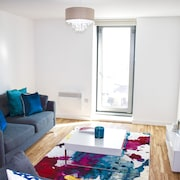 Luxury 1 Bedroom Apartment in Media City, Salford Quays
