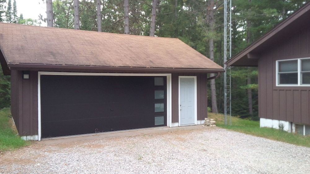 , Mike's Five Bedroom Chalet on Eagle River Chain