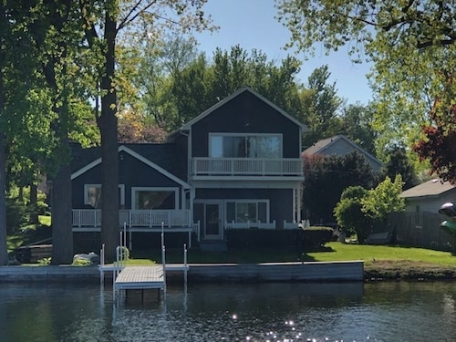 Lakefront Fun and Fully Updated Home