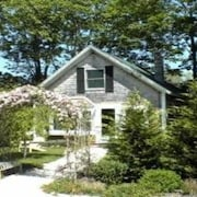 Wonderful Cottage in Town Vineyard Haven, Close to Everything