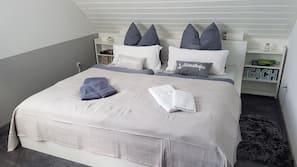 1 Schlafzimmer, Babybetten