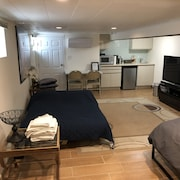 Private! Studio! Nyc!! Close to JFK LGA Up to 4 Guests New! Modern! Spacious : )