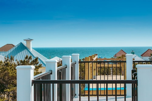 Brand New-spectacular Gulf Views and Observation Deck, 2.5 Blocks From the Beach