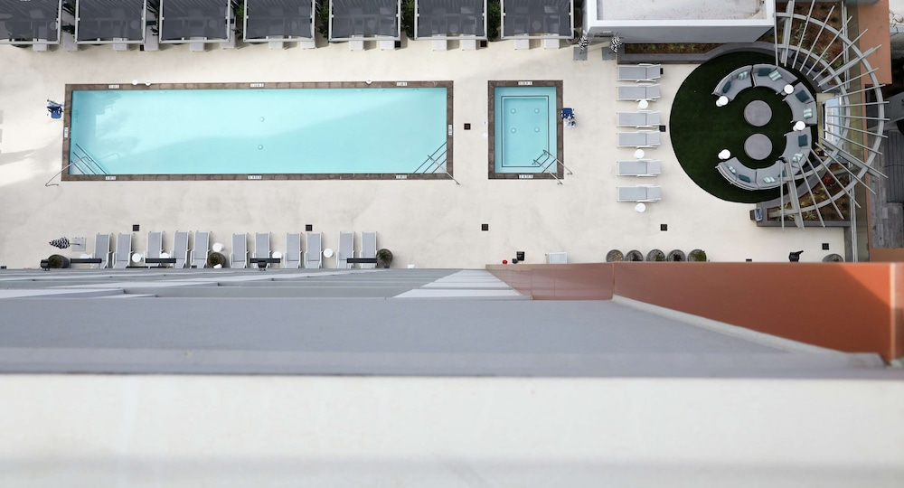 Pool, Carte Hotel San Diego Downtown, Curio Collection by Hilton