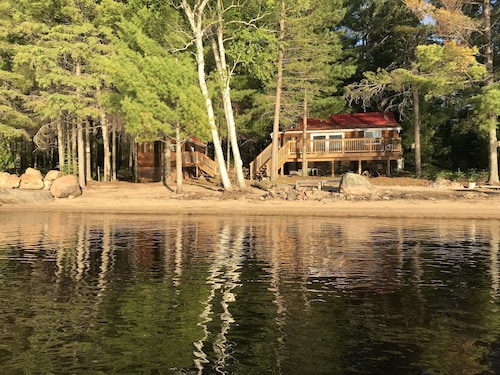 Loon Lodge - Golden Lake