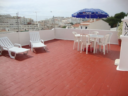 T2 at 2 min Walk From Fisherman's Beach Albufeira-algarve