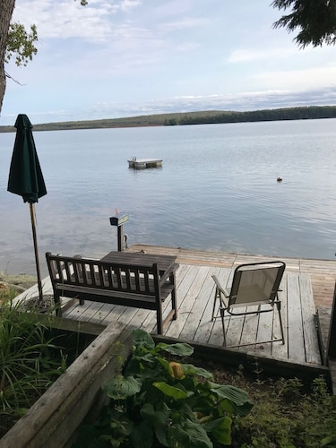 New! Lakeside Cottage on Beautiful Great Pond!