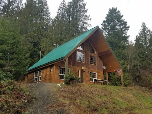 The Adams Chalet on the Cowlitz River