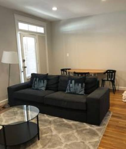 Chouteau LL · Gorgeous 1st Floor 3 Bed/2 Bath Apt Near The Grove
