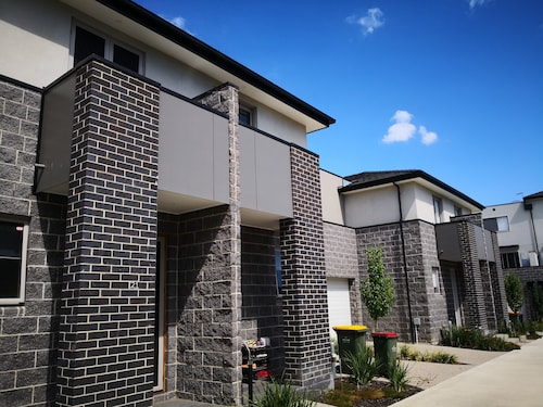 Bundoora Townhouse