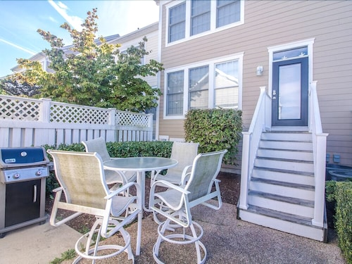 1 Village Green Drive - 5 Br Townhouse