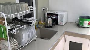 대용량 냉장고, 전자레인지, 조리 도구/접시/주방 기구