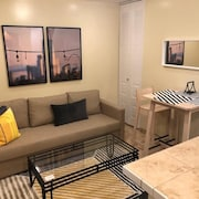 1817 1D · Superb 1bed Apt.-20 Min to Nyc/parking Avail