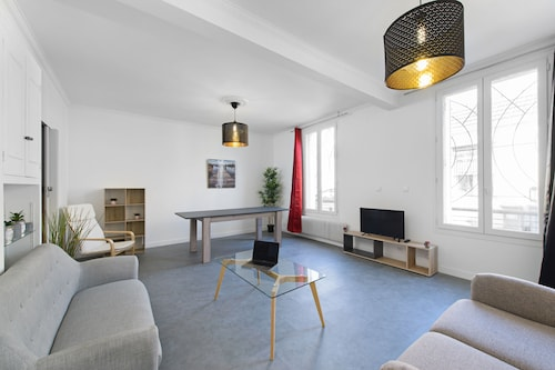 11 People Loft 5 minutes from Paris cosy